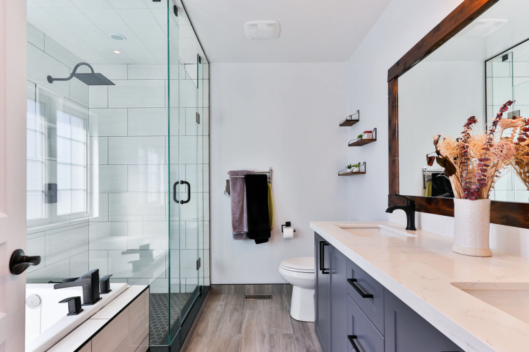 What Makes A Lively Looking Bathroom?